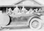 l to r: Johnny Jones; Winifred Blair; Harold Beatty; Hilda Forster; not sure; Peggy Beatty with Hudson Super Six outside Woori Yallock Hotel, Victoria, late 1925.